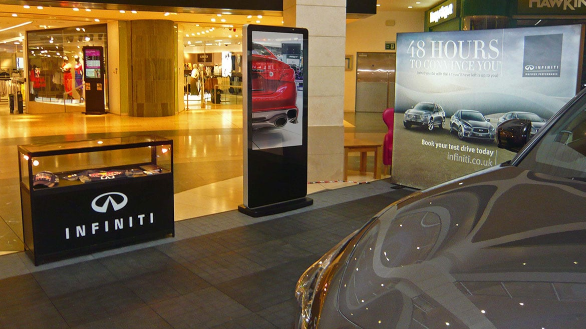 Freestanding digital screens for Infiniti